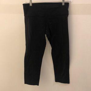 Lululemon black crop legging, sz 6, 68491